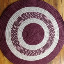 Braided_Round_Rug_burgundy