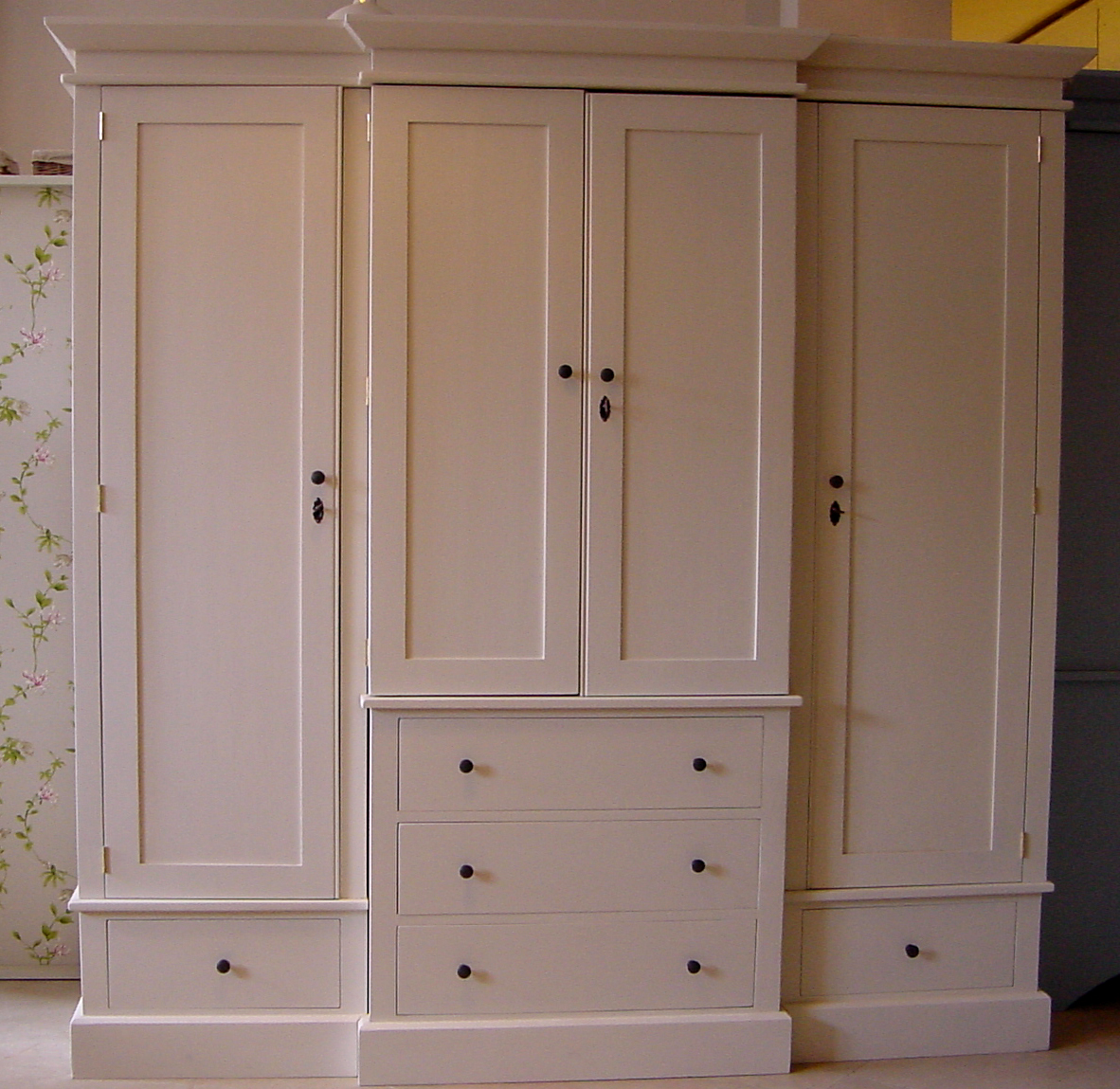 Breakfront Bedroom Cabinet