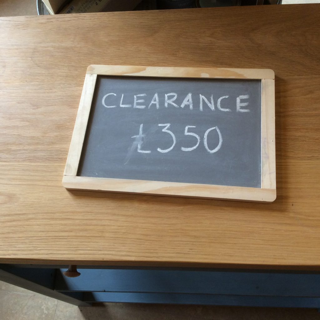 Clearance_sign_worktable