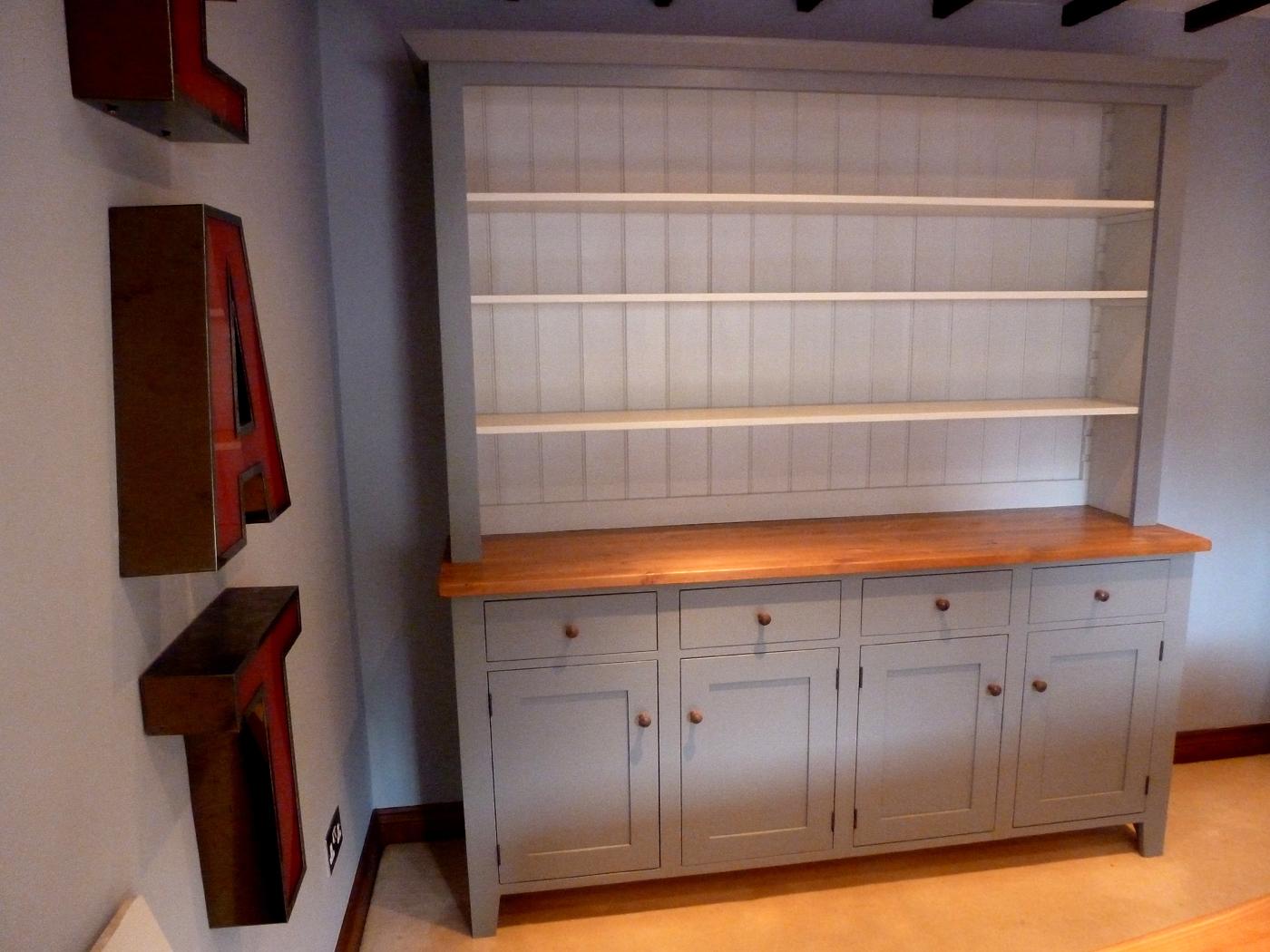 Dresser 4 over 4