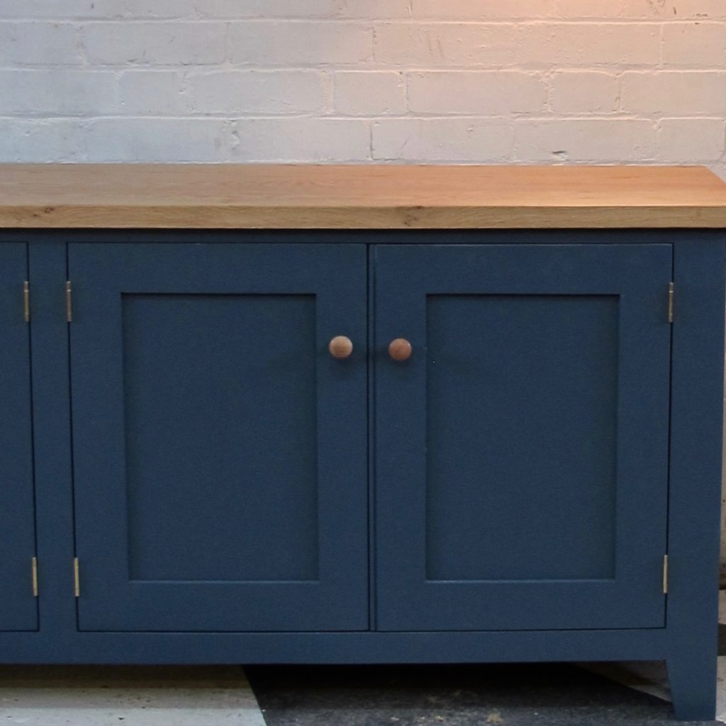 Providence_sideboard_Paynes_Grey_Shaker_knobs